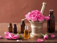 Kosmetyki na bazie olejku różanego