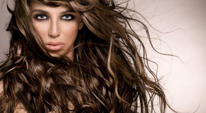 Aminokwasy na piękne włosy, skórę i paznokcie – które suplementować?