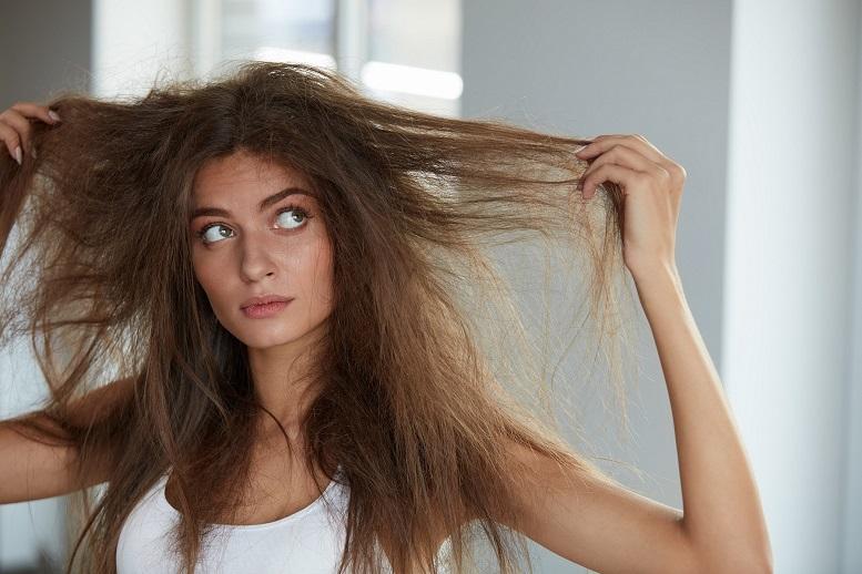 Suche, normalne czy przetłuszczające się? Jak określić rodzaj włosów i dobrać pielęgnację?